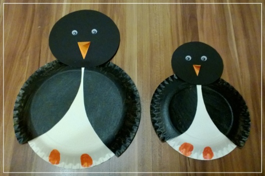 Pappteller Pinguine