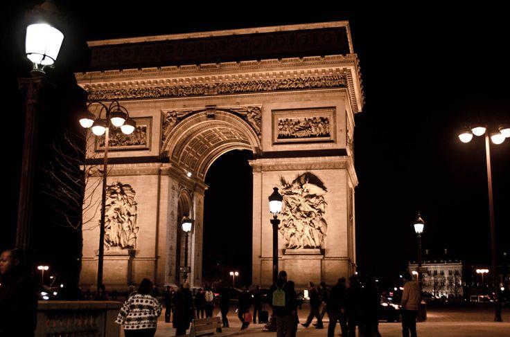 Arc de Triomphe at night / Paris, France