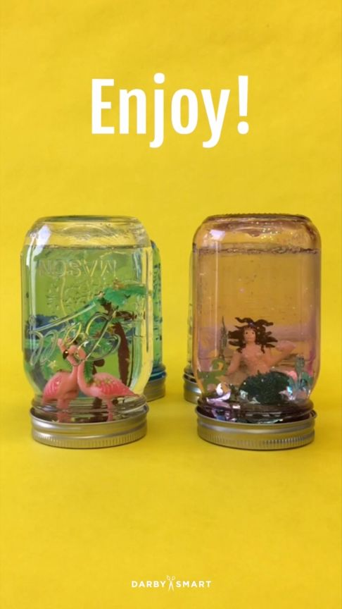DIY Flamingo Mason Jar Favors