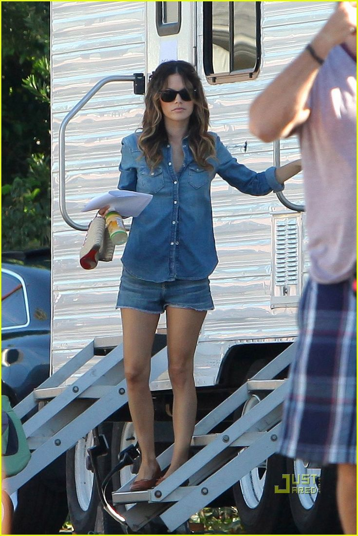 Rachel Bilson: Two Different Looks for 'BFF & Baby'!