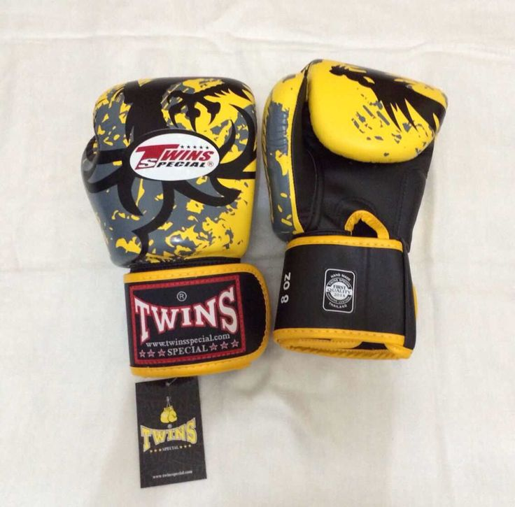 TWINS Dragon Tribal Yellow Twins Special Premium Leather  Made in Thailand  Size & Price: -   8oz: IDR 800,000.00 - 10oz: IDR 850,000.00 - 12oz: IDR 900,000.00 - 14oz: IDR 950,000.00  Contact: BOXAH Email: info@boxah.com Web: www.boxah.com Instagram: Boxahid Whatsapp: +6281295058111 BBM: 2B0D591A