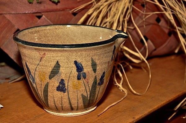 French Beating Bowl (Blue Flower Decoration)