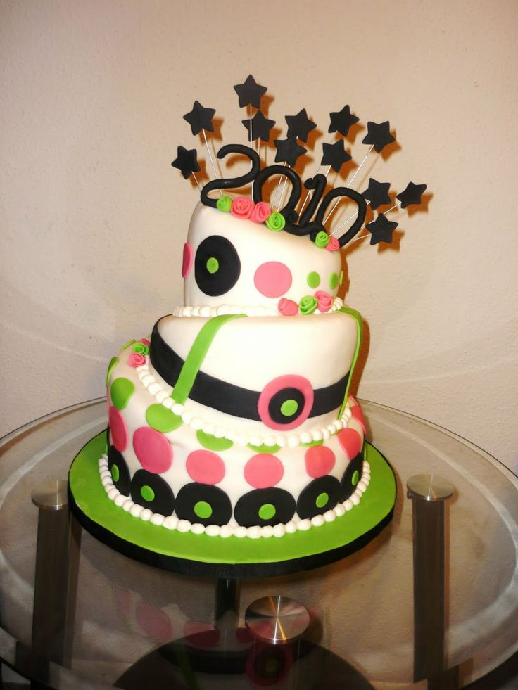 56 best Topsy Turvy cakes images on Pinterest Awesome cakes