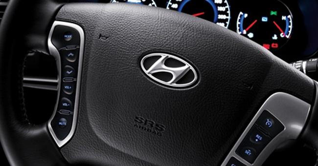 Controles en el timón - Hyundai Santa Fe 2012