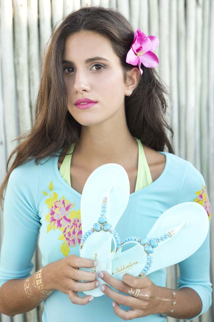 The perfect tropical look ! Le Sabbioline #EmanuelaBiffoli #summer #hawaii #flipflop