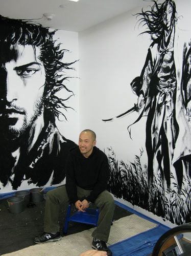 Takehiko Inoue, manga creator of Vagabond completes his mural at Books Kinokuniya in NYC.