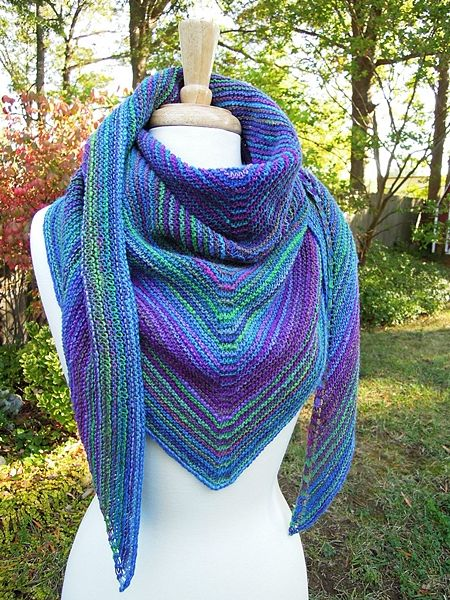 Easy Garter Stitch Shawl Recipe - Free pattern - I'm a sucker for shawls and scarves