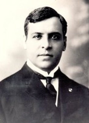 Aristides de Sousa Mendes, Between the June 16 and June 23 1940, he frantically issued Portuguese visas free of charge, to over 30,000 refugees seeking to escape the Nazi terror, 12,000 of whom were Jews.