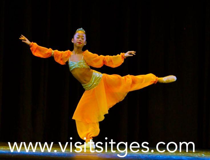 Dance World Cup en Sitges. http://www.visitsitges.com/es/historia-de-sitges/turismo-sitges/fiestas-tradiciones
