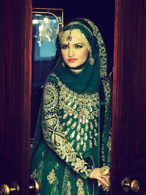 Indian pakistani bride bridal hijab inspirations for Indian muslim wedding dress