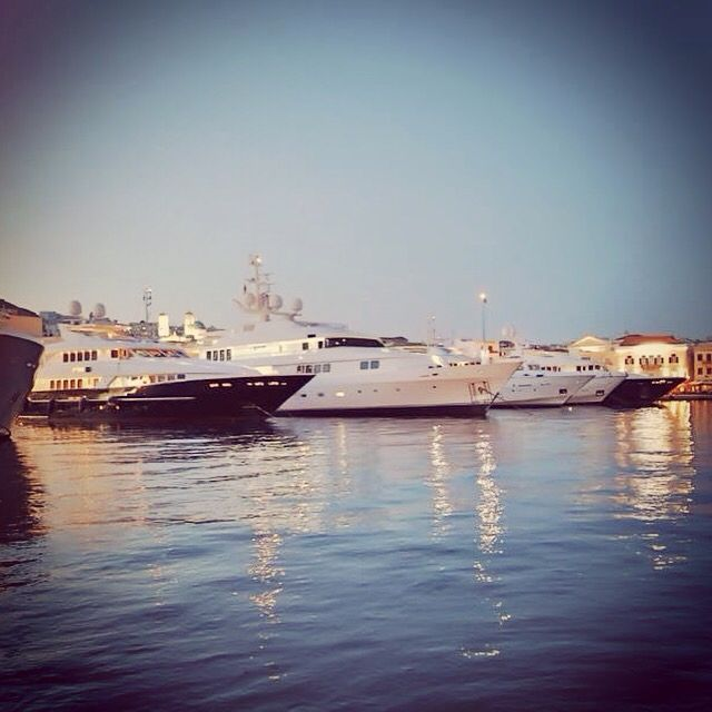 Syros port  Maistrali Concierge