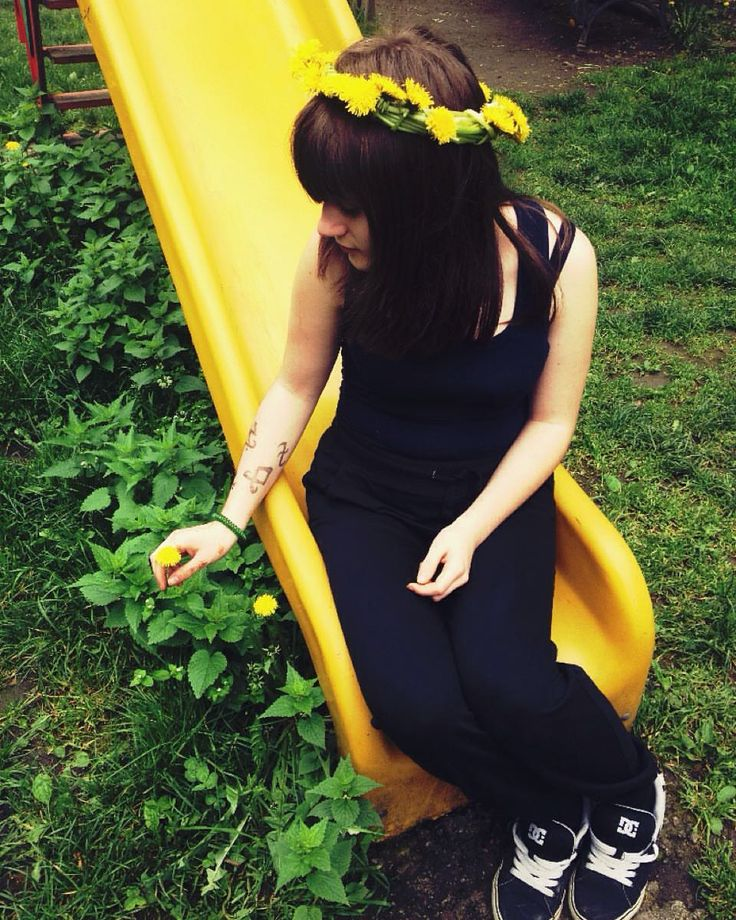 """40 aprecieri, 3 comentarii - photography lookbook mortal instruments tattoo flowers yellow grunge teen 🌙Witchy Girl🌙 (@pap_andrada) pe Instagram: """"let the spring to come back.... #spring #spering2016 #loveunicorns #flower #flowermagic #princess…"""""""