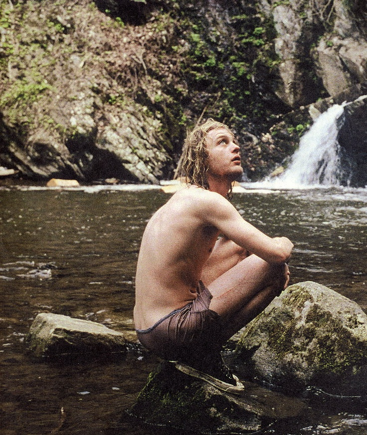 Michael Pitt as Kurt Cobain