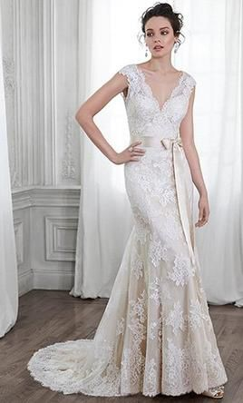 Maggie Sottero 5MS015: buy this dress for a fraction of the salon price on…