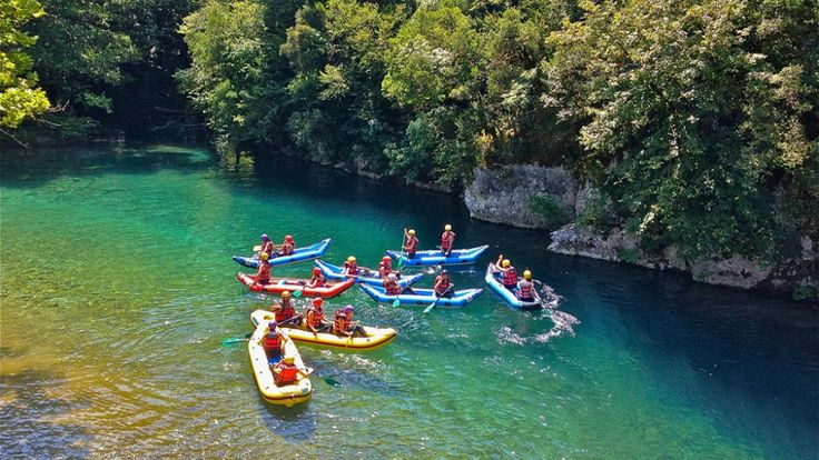 Οι ομορφιές των βουνών και των ποταμών της περιοχής μας το καλοκαίρι είναι ξεχωριστές, και προκαλούμε όλους σας να τις ζήσετε από κοντά. Rafting in Voidomatis river in Konitsa, Epirus, Greece.