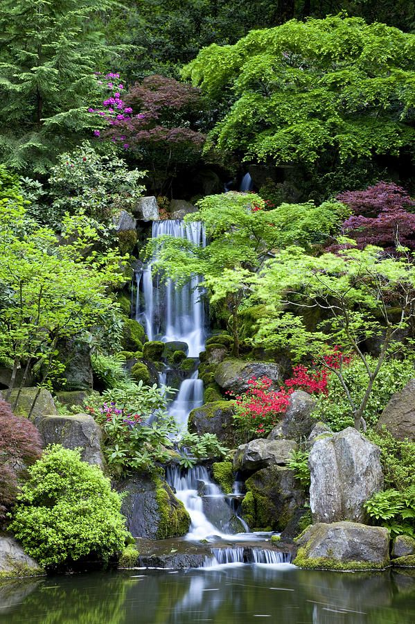 Garden waterfalls gardens beautiful and awesome for Garden fountains portland oregon