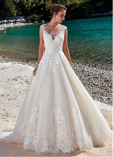 Romantic Tulle Jewel Neckline Natural Waistline A-line Wedding Dress With Lace Appliques