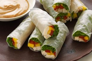 Spring rolls with chicken and mango