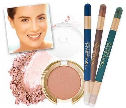"""Jane Iredale's work with women like Lauren Hutton, Cybill Shepherd, Susan Sarandon and SJP helped her understand the importance of a clear complexion to career and confidence. This led to her developing mineral make-up that is so safe and beneficial to use that it's recommended by plastic surgeons and dermatologists, for use even after laser therapy. Jane Iredale cosmetics revolves around the belief that """"The most beautiful cosmetic you can wear is a healthy skin."""""""