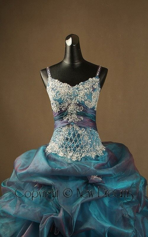 Lace, sequins and rhinestones-Pizzo, pailettes e cristalli