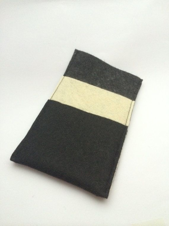 Felt Phone Cozy with Straight Pockets by BillyandElizabeth on Etsy, $10.00