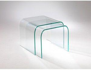 Tunnel Due tavolino vetro curvato - Composizione di due tavolini a ponte in cristallo curvato, per soggiorno, diponibile a raggio largo o a raggio stretto.    Dimensioni:  Grande L 48 P 40 H 48 spessore 10 mm  Piccolo L 45 P 40 H 45 spessore 10 mm