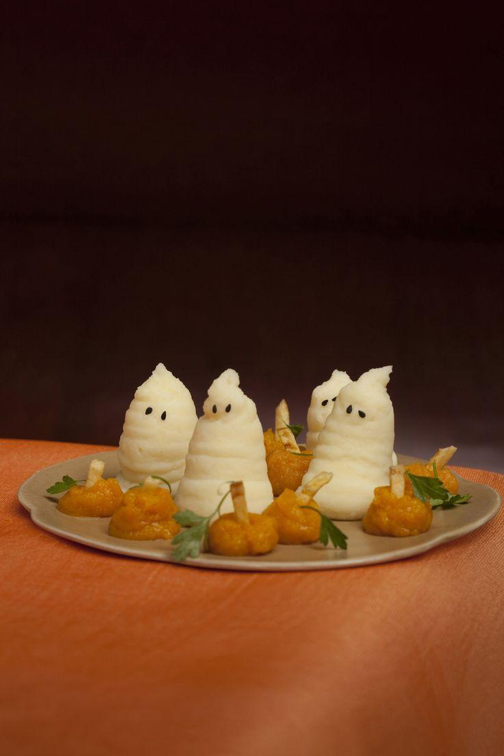 Tante ricette gustose e idee creative per il tuo menu della cena di Halloween. Scopri i suggerimenti per la preparazione di dolci, primi e secondi.