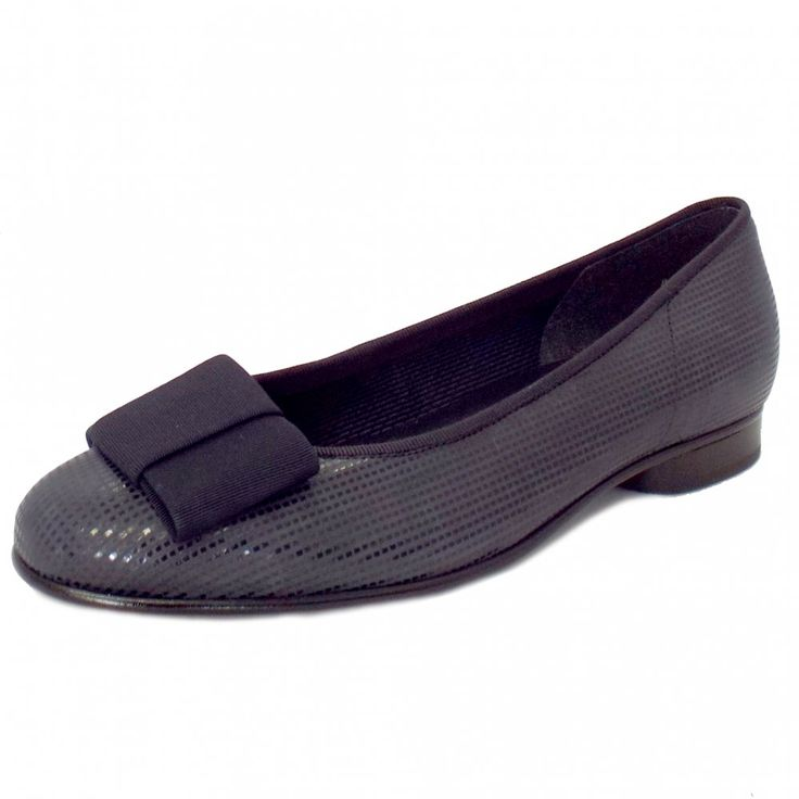 Gabor Shoes | Assist Ladies Navy Leather Flat Pumps | Mozimo