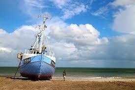 Billedresultat for fiskerbåde på stranden