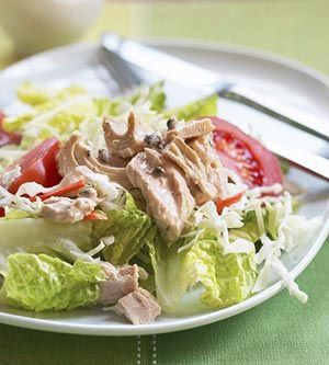 Tuna Salad with Capers: A mixture of mayonnaise, Cajun seasoning, lemon juice, and capers provide the dressing for this tuna salad main dish recipe. Prepare from start-to-finish in less than 30 minutes.: Lite Recipes, Food Recipes, A Recipes, Healthy Snacks, Tuna Salad Recipes, Families Recipes, Caper Recipes, Dishes Recipes, Cajun Food