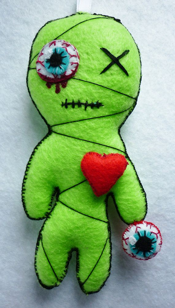 Mister X The Little Zombie Mummy Felt Toy par FrogsandPrinces, €13.00