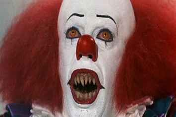 Can never replace Tim Curry!!! A Reminder Of How Terrifying Tim Curry Was As Pennywise