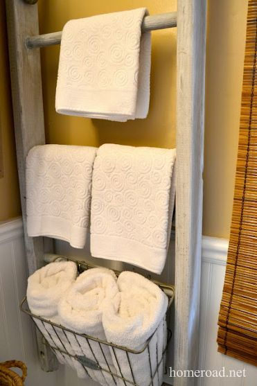 ladder for bathroom storageOld Ladder, Bathroom Storage Solutions, Ladders, Towels Storage, Rustic Bathrooms, Bathroom Ideas, Bathroomstorage, Storage Ideas, Tiny Bathroom