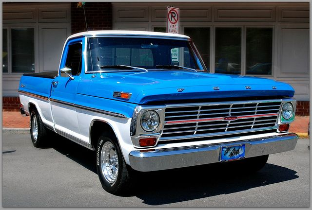 1969 Ford Pickup   1969 Ford Ranger F 100 Blu-Wht   Flickr - Photo Sharing! A sample of my first pickup.
