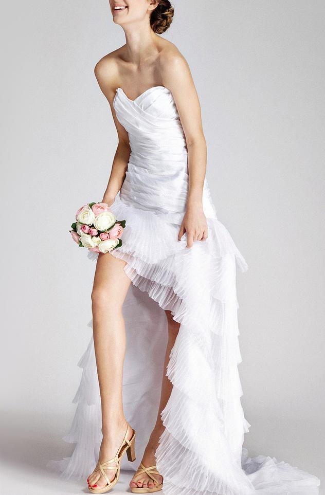 Tiered wedding dress: Layered Organza, Wedding Dressses, High Low Dresses, Bridesmaid Dresses, Receptions Dresses, Style Dresses, Length Bridesmaid, Little White Dresses, Beaches Wedding Dresses