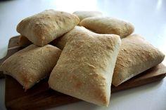 Det fantastiska brödet har ni hört talas om det? Receptet på brödet finns sedan tidigare här på bloggen och det är verkligen en stor favo...