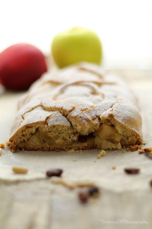 Formine e Mattarello: Strudel di mele caramellate con farina di farro