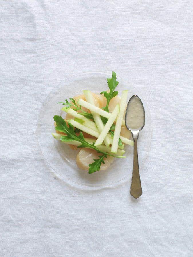 Salade de noix de saint-jacques fumées, pomme, raifort et yuzu - Salad Saint - Jacques smoked, apple, horseradish and yuzu by Trish Deseine