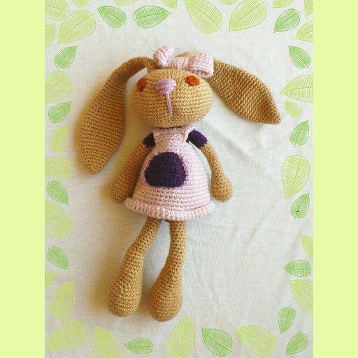 Conejos tejidos a crochet, encuentralos en https://www.facebook.com/pages/Girasol-Tienda/636585493078289