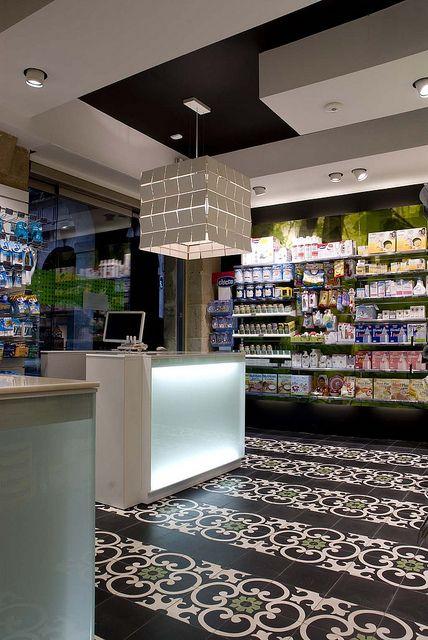 Farmacia Plaza Nueva 03   Flickr: Intercambio de fotos