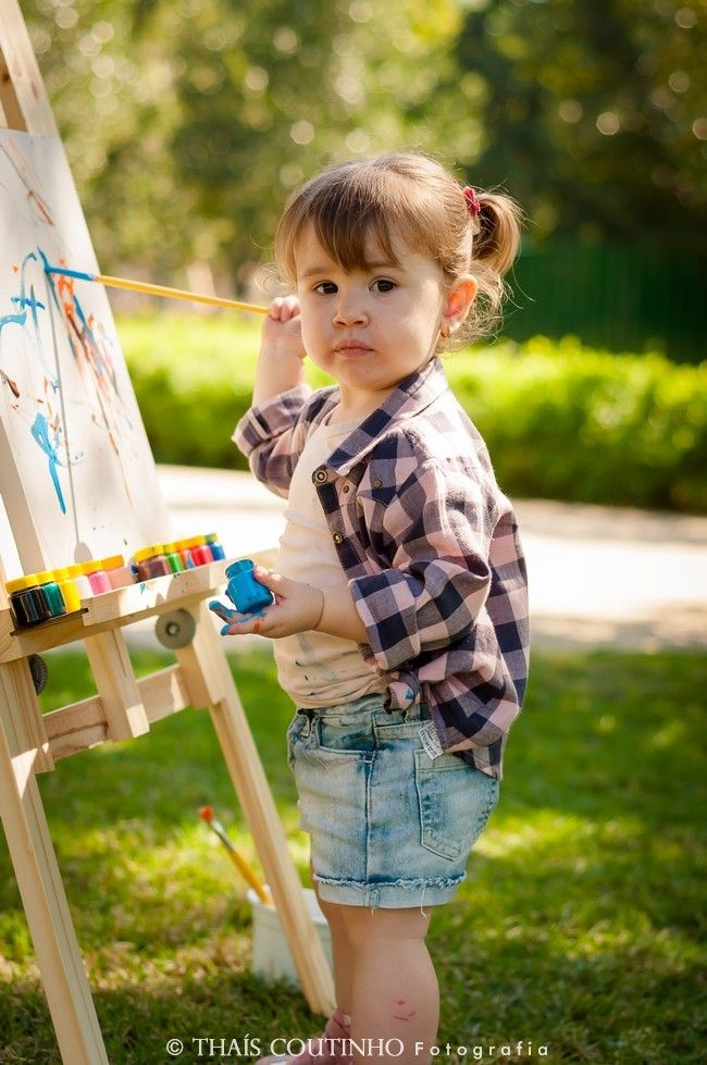 baby girl photo shoot drawing and painting sessao de fotos criativa bebe menina bebe menina desenhando e pintando