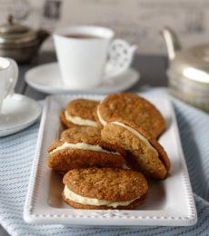 Cadbury ANZAC Biscuits with White Chocolate Ganache Recipe