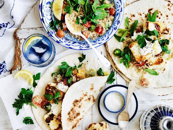 Try this deliciously light and fresh grilled haloumi gyros for dinner tonight - super easy and quick to prepare, and so tasty!