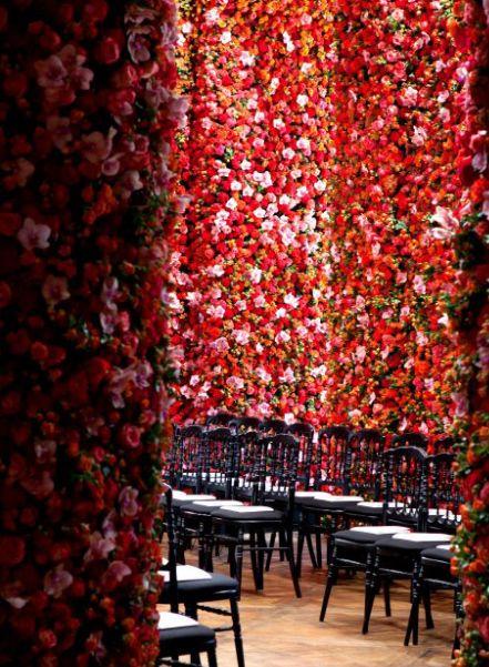 Dior Show Floral walls