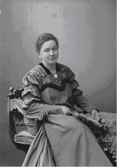 Clara Schlaffhorst in a 'Reformkleid', Berlin 1900