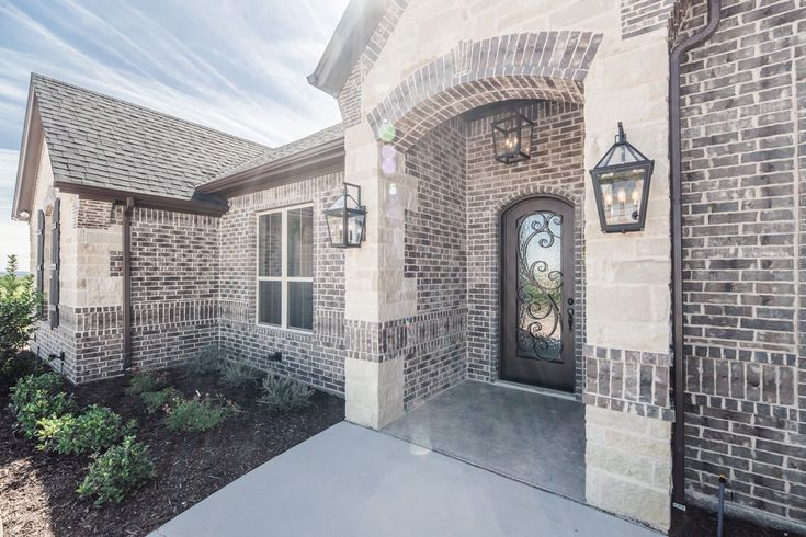 Brick Color Is Sheltered Bluff By Boral With Buff Mortar