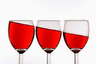 Como quitar las manchas de vino tinto