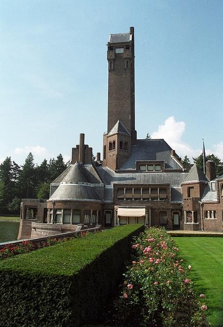 Jachtslot St. Hubertus, Nationaal Park Hoge Veluwe. Architect; Van Berlage