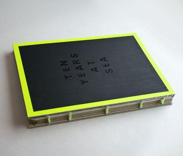 瓦楞紙板也能做現代感的線裝書   MyDesy 淘靈感