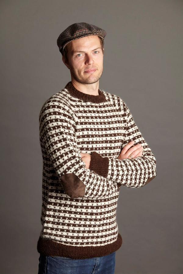 nearly-classic norwegian sweater. Klassiskherresweater med lus - strikkebogen.dk